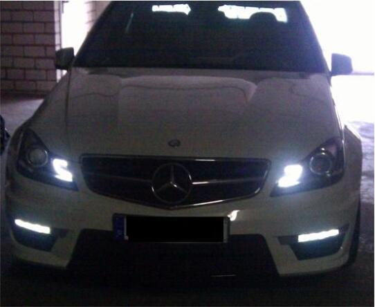Benz-204-LED-Lights-Turn-on-with-Daylights-Activated-by-DTS-Monaco-1