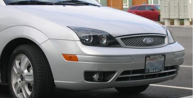 How-to-Paint-Ford-Focus-2005-Headlights-by-Yourself
